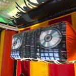 Springkussen-standaard-disco-met-draaitafel